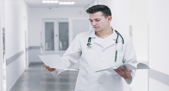 La medicina sigue y seguirámanteniéndose en el podio por años