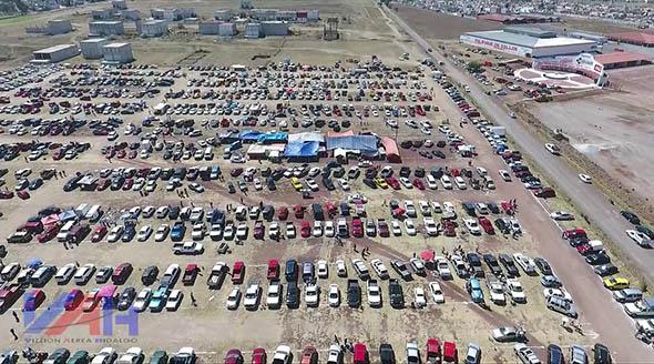 Tianguis de autos en Jaltepec